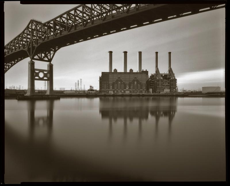 """Cykl """"Fotografia otworkowa"""": """"Kearny, New Jersey, 2000"""", fot. Andrzej Jerzy Lech"""