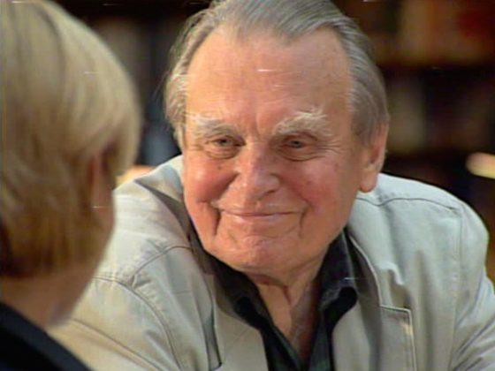 """Kadr z filmu """"Rozmowy na koniec wieku"""", Czesław Miłosz, © O.pl/Modulus"""