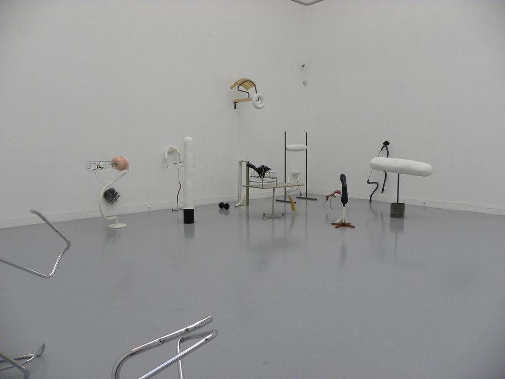 Instalacja rzeźb Kasi Fudakowski, fot. Piotr Sikora