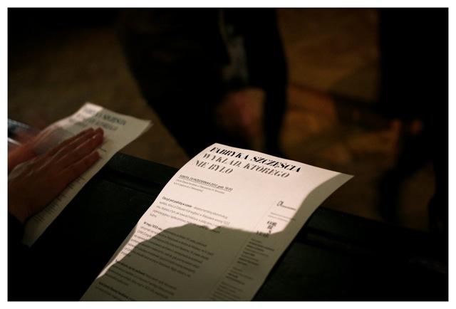 """""""Fabryka szczęścia. Wykład, którego nie było"""" fot. Michał Dąbrowski (źródło: materiały prasowe organizatora)"""