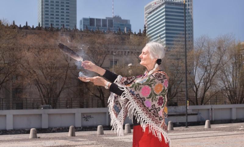 """Katarzyna Majak, """"Kobiety Mocy"""", Bunkier Sztuki w Krakowie, wideo, wernisaż, 21 marca 2013 roku, fot. Studio FilmLOVE (źródło: materiały prasowe organizatora)"""
