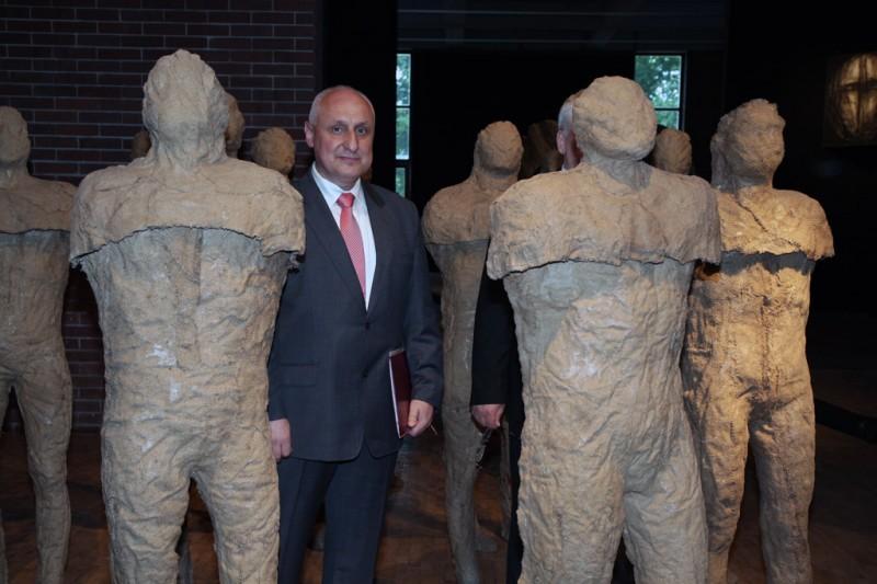 Otwarcie wystawy retrospektywnej Magdaleny Abakanowicz, Centrum Rzeźby Polskiej w Orońsku, 8 czerwca 2013 r., fot. Jan Gaworski (źródło: materiały prasowe organizatora)