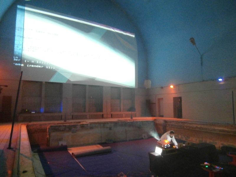 ART_HUB - WŁADZA I DZIAŁANIE W SPOŁECZEŃSTWIE SIECIOWYM, performance Fundamental Research Lab, Dawna Synagoga w Poznaniu, 12 grudnia 2013, fot. Ewa Wójtowicz (źródło: archiwum autorki)