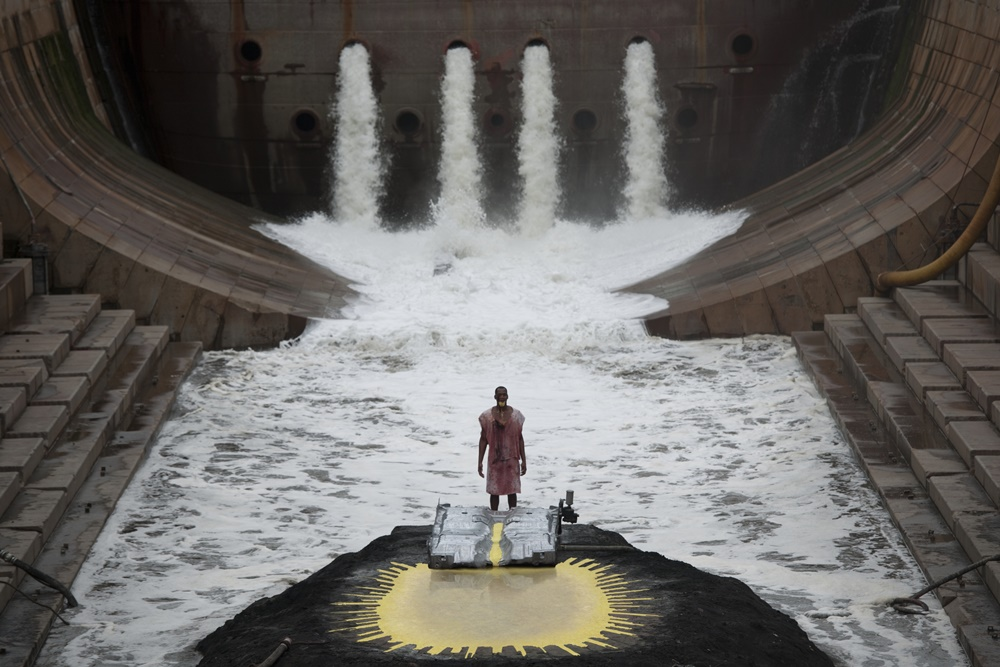 Matthew Barney, Jonathan Bepler, River of Fundament, 2014, Production Still, fot. Hugo Glendinning, © Matthew Barney, Courtesy Gladstone Gallery, New York and Brussels, (źródło: materiały prasowe Haus der Kunst)