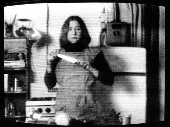 "Martha Rosler, ""Semiotics of the Kitchen"", 1975 (źródło: materiały czasopisma EKRANy)"