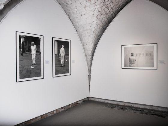 """Wystawa """"Roman Opałka. Pierwsze 3 dekady twórczości"""", Galeria Miejska we Wrocławiu, 2015 (źródło: ze zbiorów Galerii Miejskiej we Wrocławiu)"""