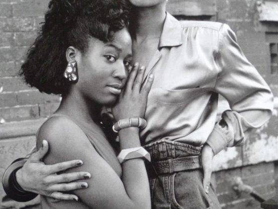 """Chantal Regnault, """"Temperance i Octavia Saint Laurent, Harlem 1989"""", z serii """"Voguing i domy balowe Nowego Jorku 1989–1992"""" © Chantal Regnault (źródło: dzięki uprzejmości artystki)"""