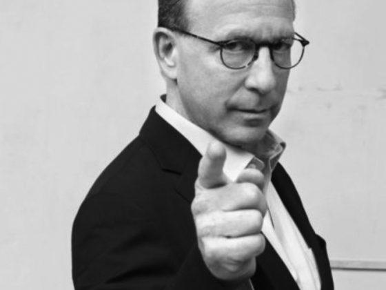 Jerry Saltz, krytyk sztuki, fot. Knight Foundation (źródło: Art and Culture Center of Hollywood/Wikimedia Commons)