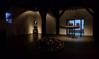 """Marek Rogulski, """"Aerolit – zaplatanie energii"""", Galeria Sztuki Wozownia w Toruniu, 2015 (źródło: dzięki uprzejmości Galerii Wozownia)"""