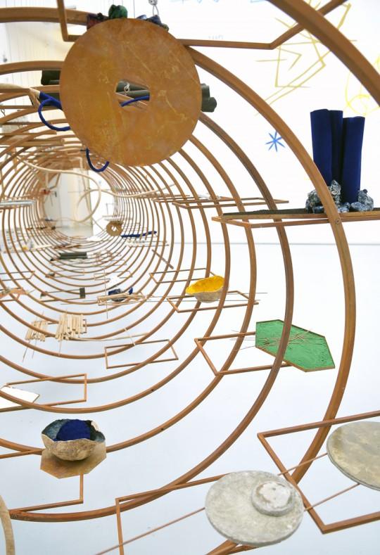"""Iza Tarasewicz, """"TURBA, TURBO"""" – Spojrzenia 2015, Zachęta Narodowa Galeria Sztuki 2015 (źródło: materiały prasowe organizatora)"""