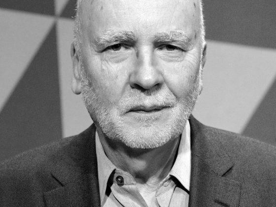 Adam Zagajewski, fot. Frankie Fouganthin, Sztokholm, 2014 (źródło: Wikimedia Commons, CC BY-SA 4.0)