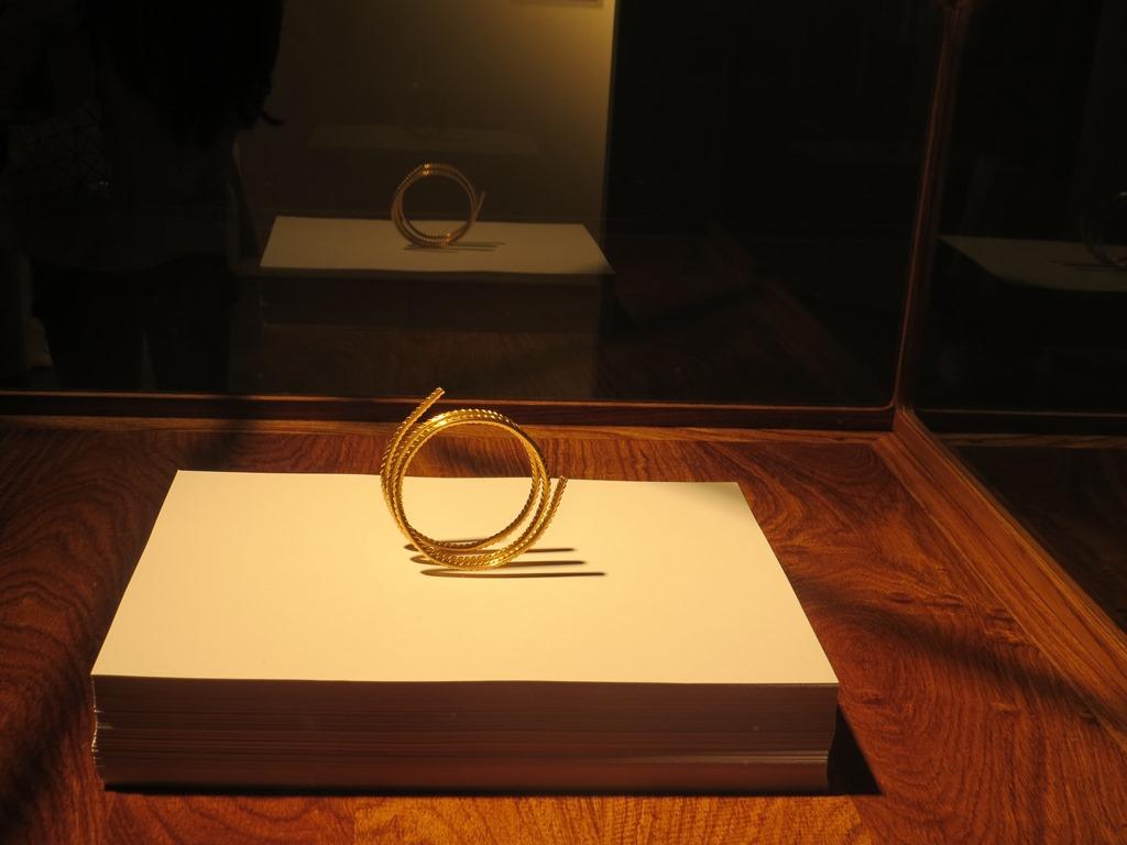 Ai Wei Wei, projekt biżuterii, fot. Aleksandra Hołownia (źródło: dzięki uprzejmości autorki)