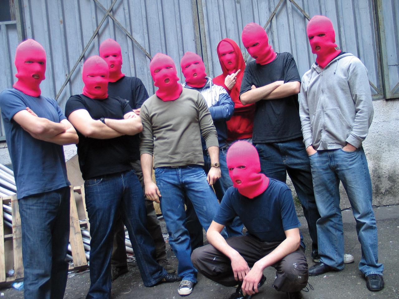 Karol Radziszewski, Fag Fighters, 2007, fotografia, dzięki uprzejmości artysty (źródło: materiały Kwartalnika Rzeźby Orońsko)