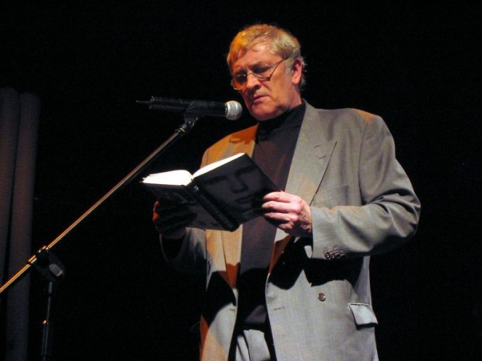 Bohdan Zadura, 2005, fot. Michał Kobyliński, http://gilling.info/– Poetyckie Foto Niusy (CC BY-SA 2.5)