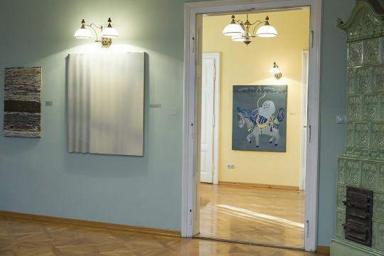 43.Biennale Malarstwa Bielska Jesień 2017, Galeria Bielska BWA, fragment ekspozycji, fot. Krzysztof Morcinek (źródło: materiały prasowe organizatora)
