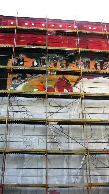 Tworzenie jednego z murali na gdańskiej Zaspie