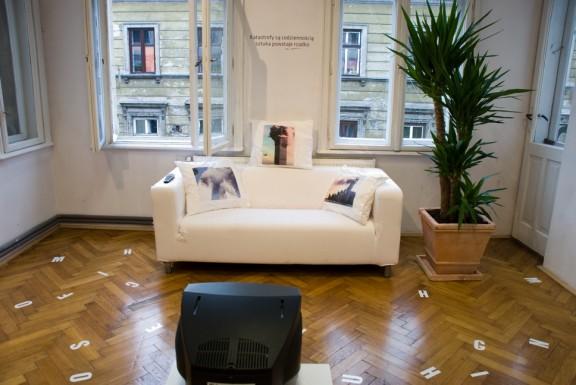 """Wernisaż wystawy Ewy Partum: """"Politics is Temporary, Art Remains"""" w galerii Foto-Medium-Art w 24 września 2009 roku."""