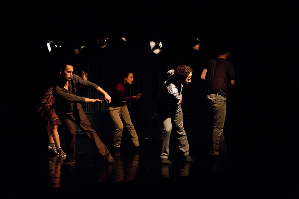 Wydział Teatru Tańca Państwowej Wyższej Szkoły Teatralnej, spektakl dyplomowy wszystko wymyka się..