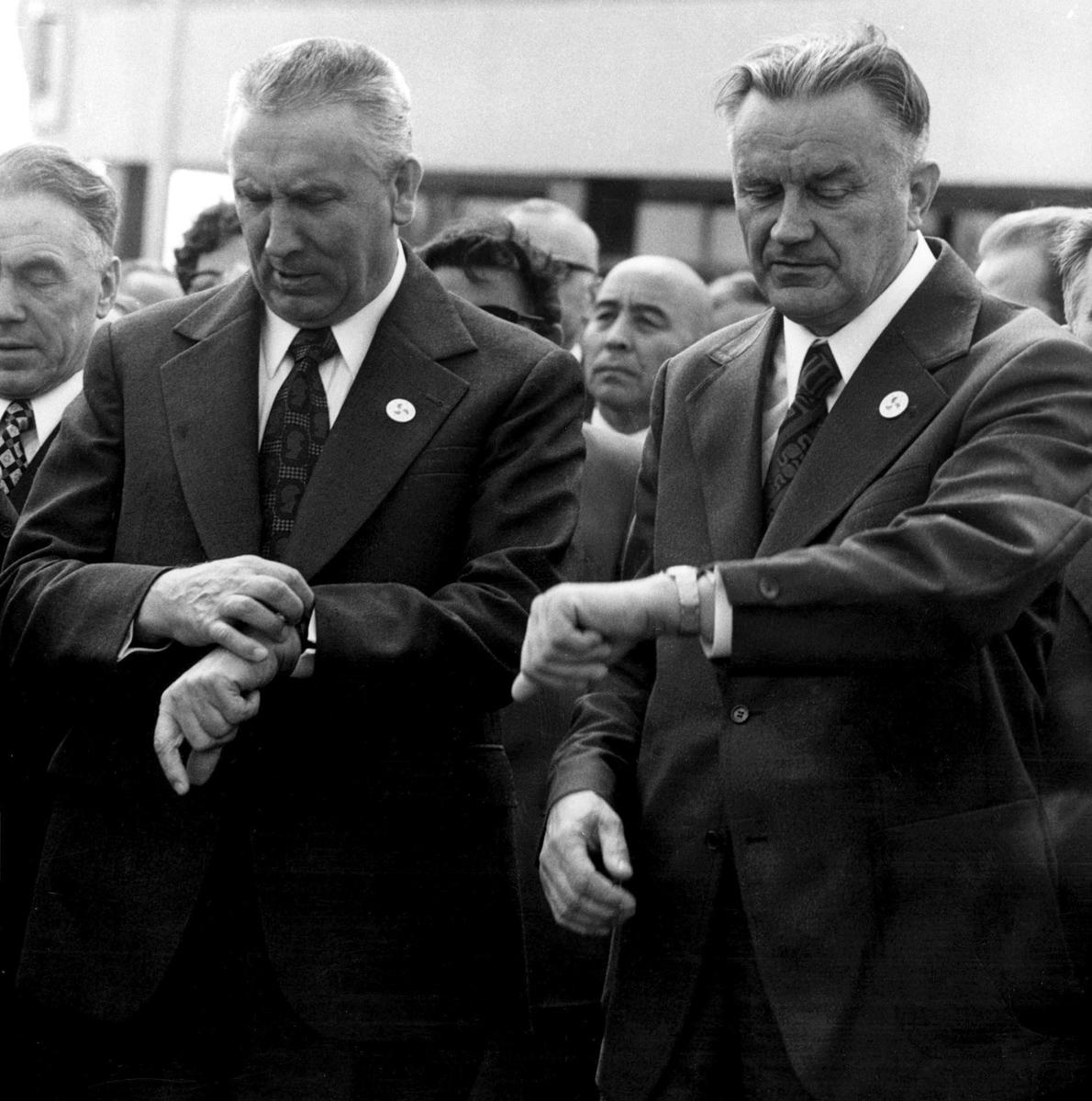 """""""Przyspieszajmy, obywatele!!!"""", na zdj. Edward Gierek, Piotr Jaroszewicz, fot. Bogdan Lopieński"""