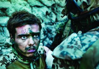 Kadr z filmu Armadillo - wojna jest w nas