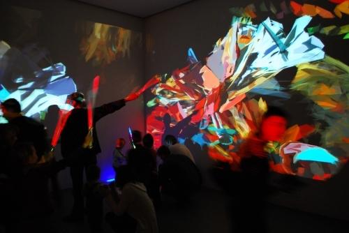 """""""Malowanie światłem"""" w ramach """"Interaktywnego Placu Zabaw"""", materiał udostępniony przez organizatora"""