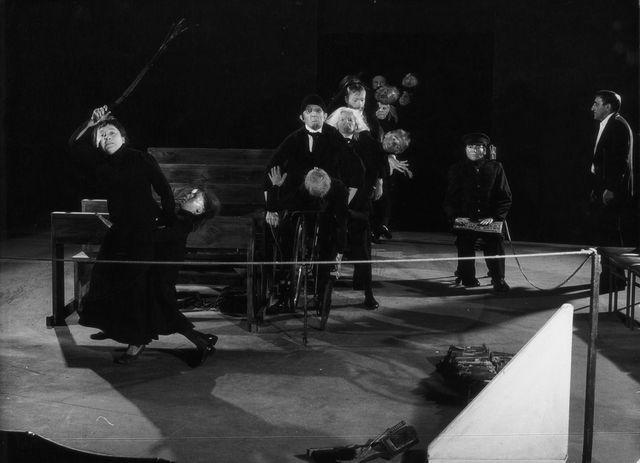 "Tadeusz Kantor, spektakl ""Umarła klasa"", foto. Dalman"