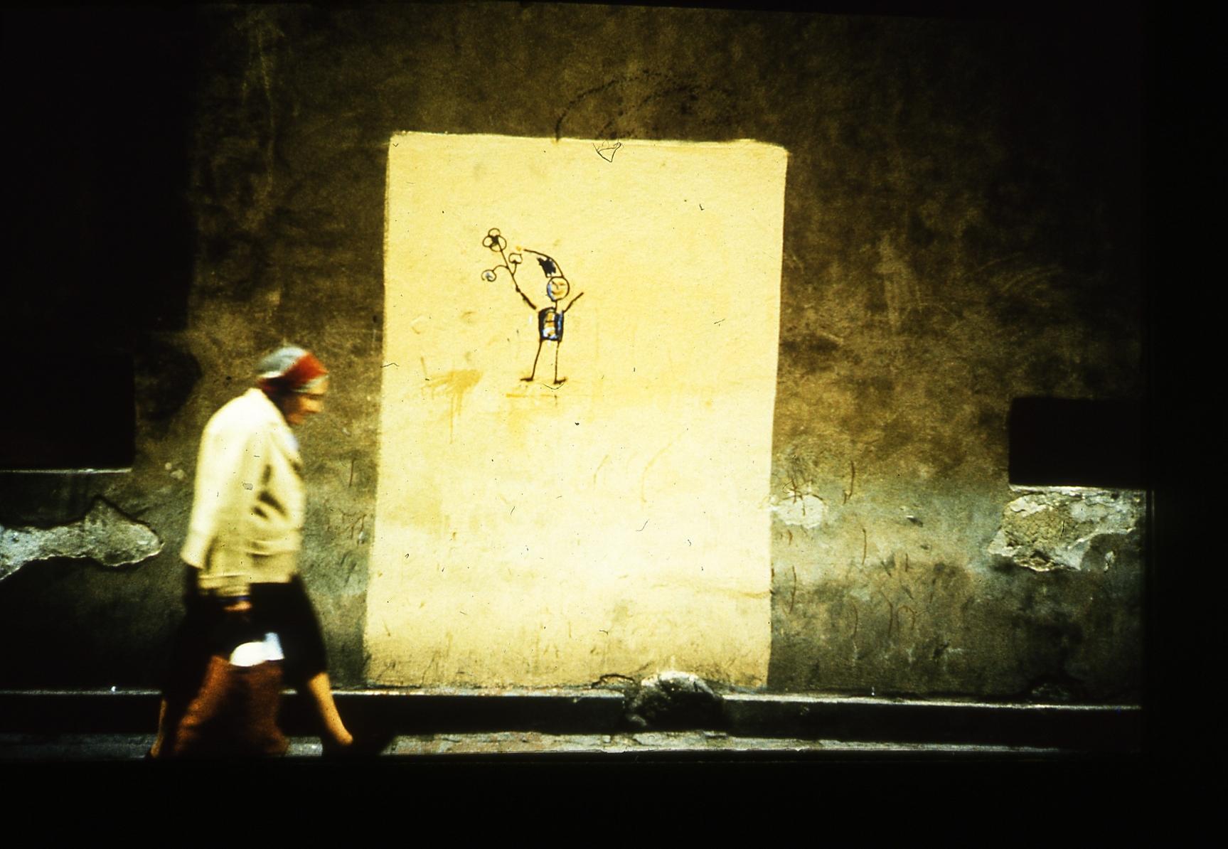 Rysunki krasnoludków na murach w czasie stanu wojennego, fot. T. Sikorski