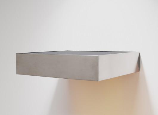 Donald Judd - Bez Tytułu, 1969 stal nierdzewna i plexiglass 15.2 x 68.6 x 61 cm, Fot. Kerry Ryan McFate. Dzięki uprzejmości The Pace Gallery © VAGA
