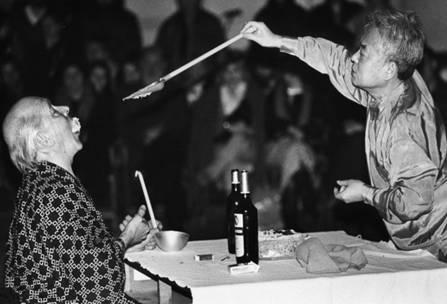Emmett Williams i A-Yo, Performance Brand-new Piece in the Style of the Sixties, 1988, fotografia reprodukowana dzięki uprzejmości CSW Zamek Ujazdowski