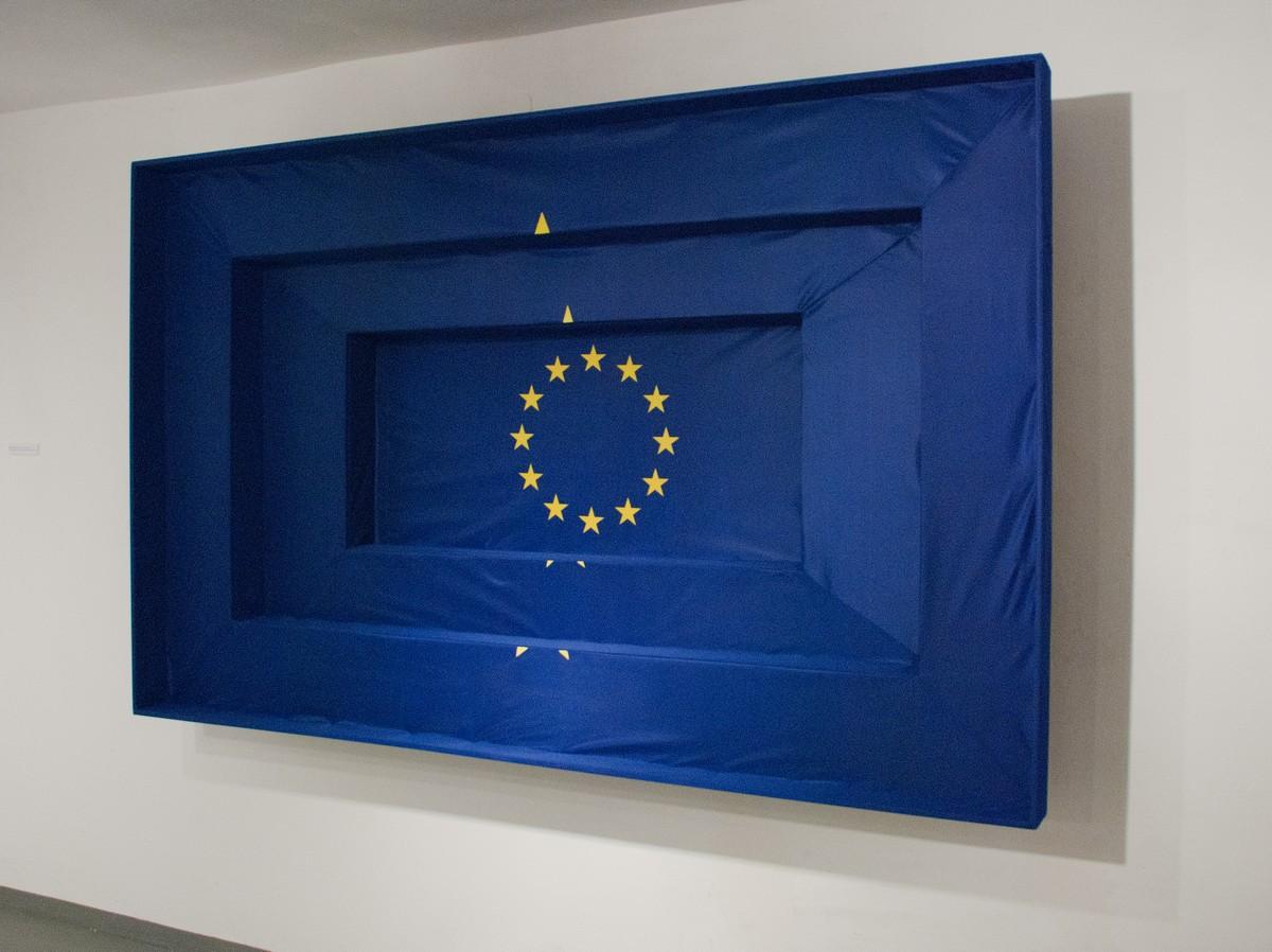 """Wernisaż wystawy """"Flagi"""" w MCSW """"Elektrownia"""" w Radomiu, Marcin Berdyszak, After Jasper Johns, 2008, fot. Zofia Waligóra"""