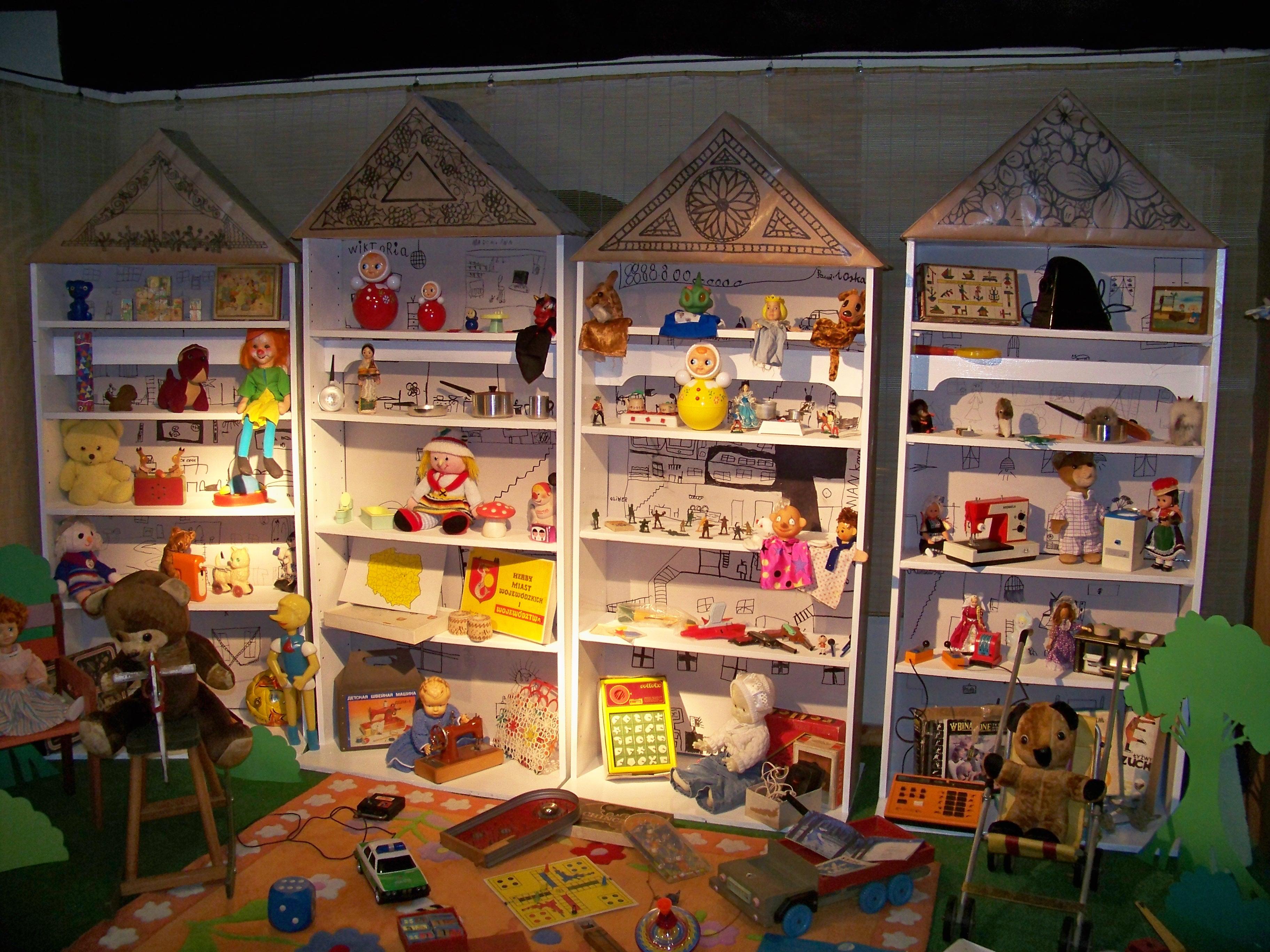 Gry i zabawki okresu PRL (zdjęcie pochodzi z materiałów organizatora)