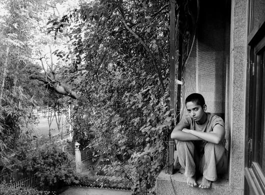 Anay Mann, Ayesha, a young film maker, New Dehli, 2004, z serii Pokolenie przemiany, dzięki uprzejmości artysty