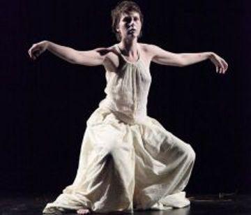 Taniec i ruch jako terapeutyczne narzędzie pracy z grupą, warsztaty (zdjęcie pochodzi z materiałów organizatora)