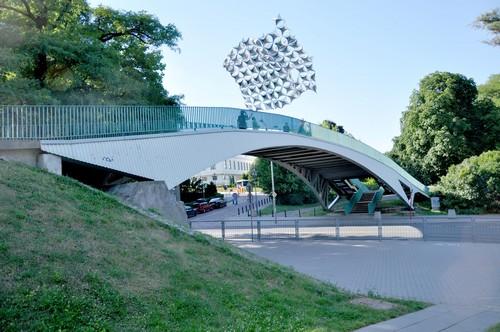Latający dach plenerowy, projekt: Centrala, lato 2010, fot. Simone De Iacobis