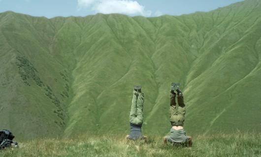 Kadr z filmu Najsamotniejsza z planet (źródło: materiał prasowy AP Mañana)