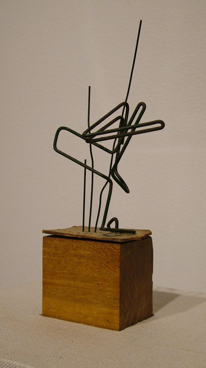 Gego, Bez tytułu, (1964) 16x7x4 cm, drut, drewno. Z kolekcji Grażyny Kulczyk (źródło: materiały prasowe)