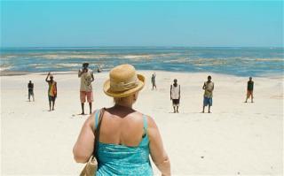 """Kadr z filmu """"Paradise: Love"""" (źródło: materiały prasowe)"""
