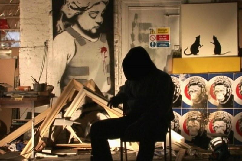 """Kadr z filmu """"Wyjście przez sklep z pamiątkami"""" (źródło: materiały prasowe)"""