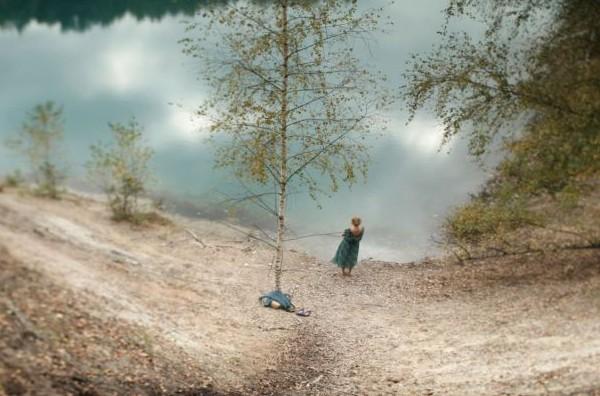 """Kadr z filmu """"Jezioro"""", reż. Jacek Piotr Bławut (źródło: materiały prasowe)"""