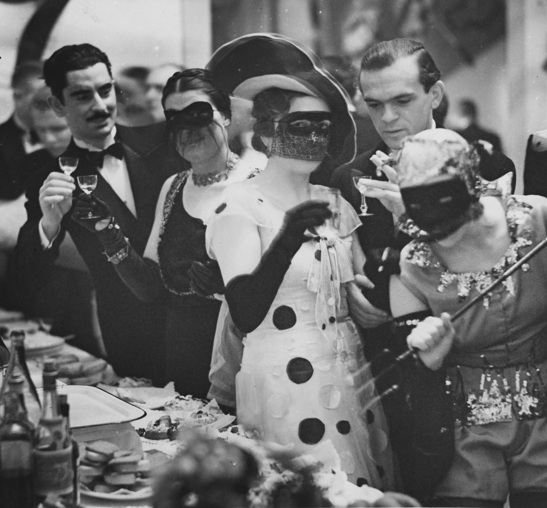 Bal w Akademii Sztuk Pięknych, 11 stycznia 1936 (fot. NAC / źródło: materiały prasowe organizatora)