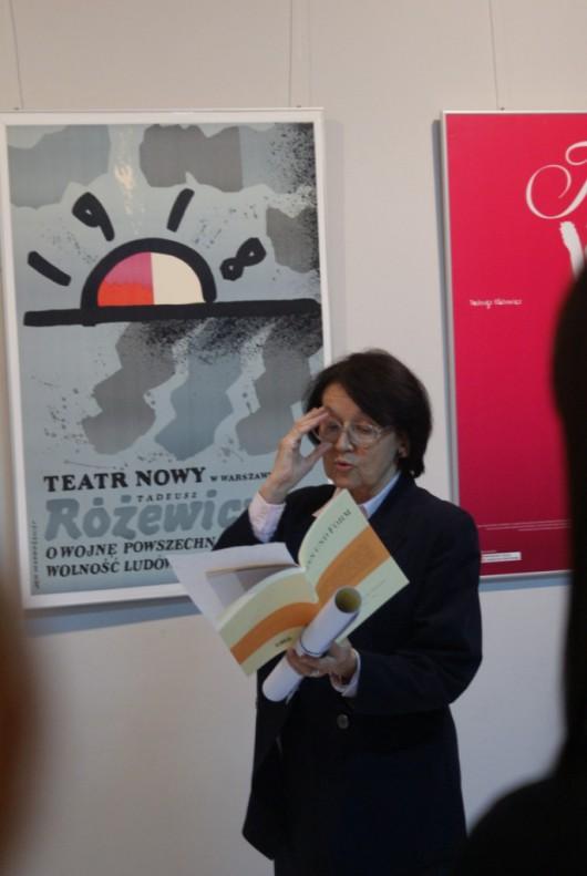 """Wystawa Marii Dębicz """"Różewicz na świecie"""" (źródło: materiały prasowe organizatora)"""