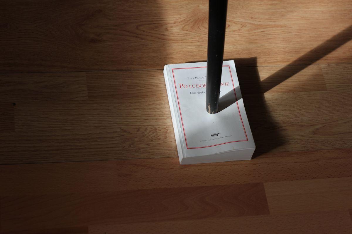 """Krzysztof Furtas, """"Po ludobójstwie"""", 2012, obiekt (źródło: materiały prasowe organizatora)"""
