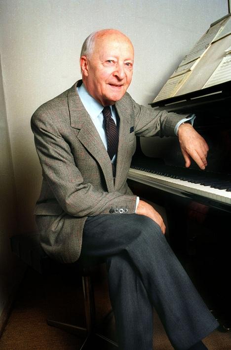 Witold Lutosławski - kompozytor i dyrygent (źródło: Wikipedia. Wolna Encyklopedia)