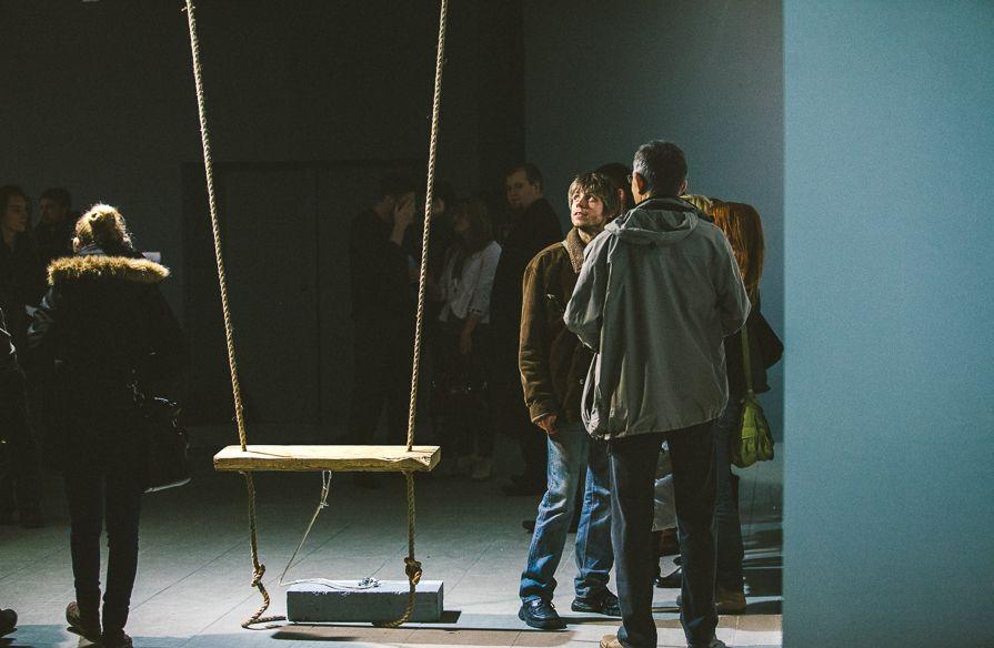 """Instalacja dźwiękowa Erwiny Ziomkowskiej, wystawa """"Mleczne zęby"""", Galeria BWA w Katowicach, fot. Artur Berwisz (źródło: materiały prasowe organizatora)"""