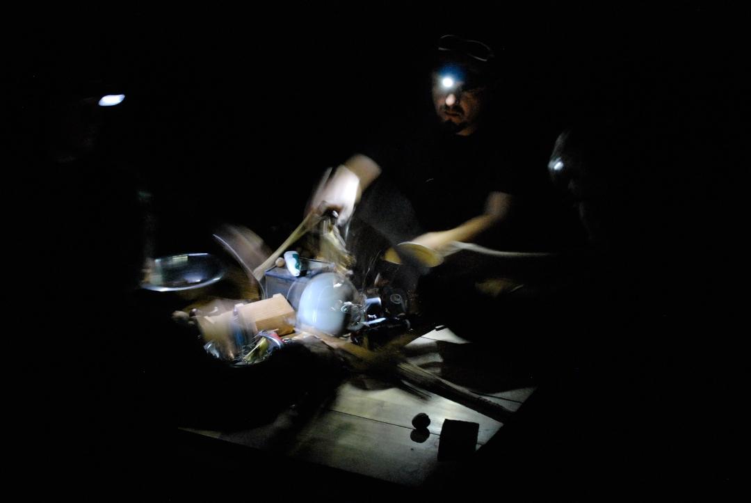 """Karbido, """"Table Around Cage"""", fot. Krzysztof Pawłowski (źródło: materiał prasowy)"""