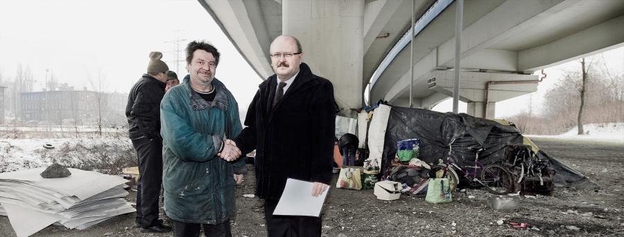 """Łukasz Surowiec, """"Szczęśliwego Nowego Roku – zima 2010"""", spotkanie z prezydentem miasta Katowic, fotomontaż, 2012 (źródło: materiały prasowe organizatora)"""