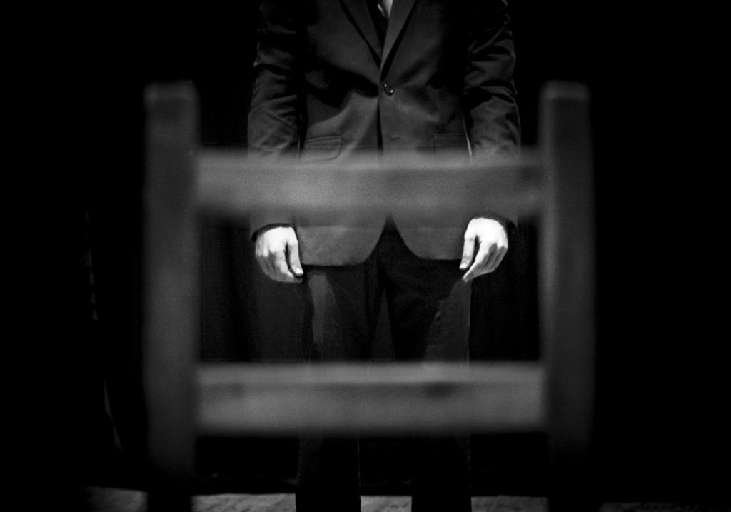 """The Echoes off the Walls Underground Are Louder Than Your Footsteps Above Me"". reż. Matej Matejka, Jurij Kordinskij - spektakl (źródło: materiał prasowe)"