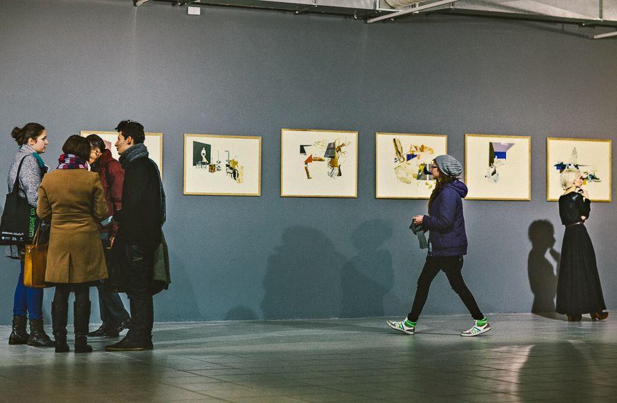 """Rysunki Moniki Szwed, wystawa """"Mleczne zęby"""", Galeria BWA w Katowicach, fot. Artur Berwisz (źródło: materiały prasowe organizatora)"""