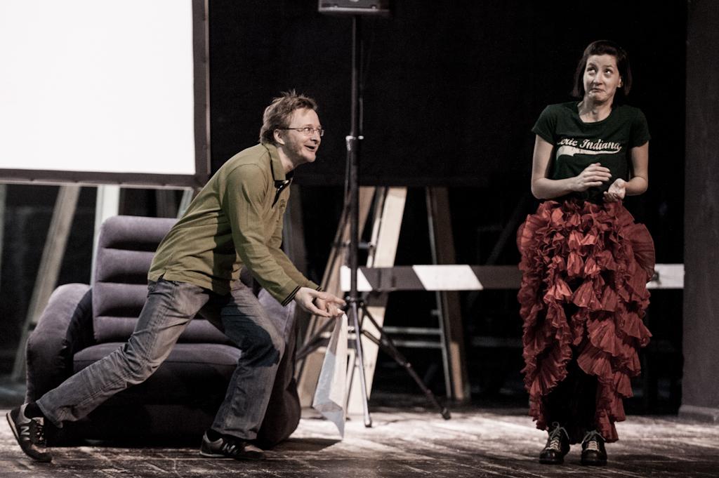 """""""Ożenek"""", reż. Iwan Wyrypajew, fot. Marta Ankiersztejn (źródło: materiał prasowy)"""