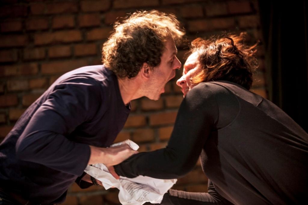"""""""Pieta"""", reż. Zenon Fajfer - próba spektaklu, fot. Tomasz Wiech (źródło: materiały prasowe)"""